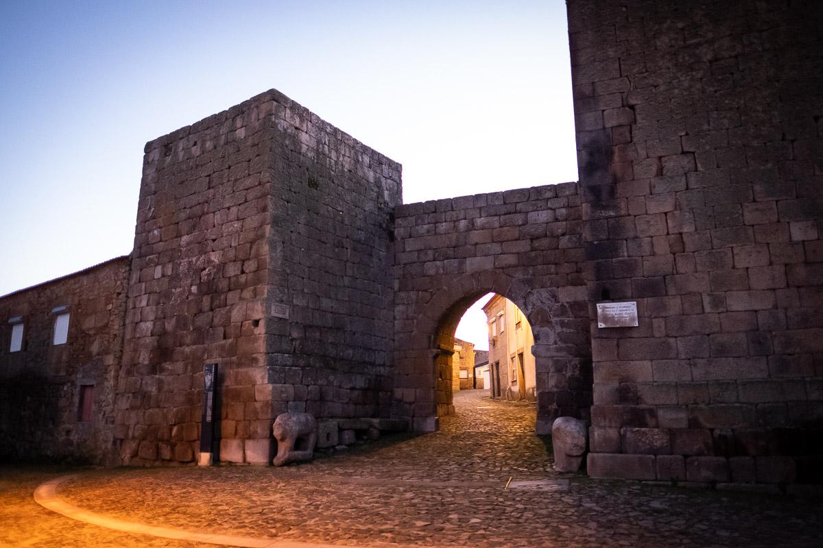 Castelo Mendo: terra de templos, lendas e gárgulas